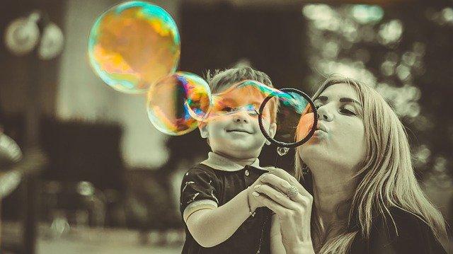 jak powinna wyglądać szczęśliwa rodzina